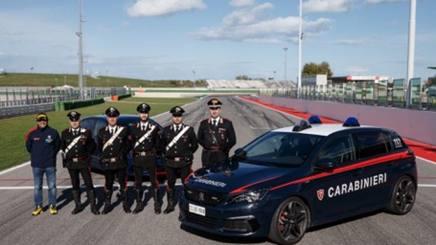 Paolo Andreucci e i carabinieri a Misano per il corso di specializzazione