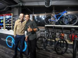 Ivan Basso (a sin.) e Alberto Contador a Roma, nella serata di inaugurazione di Trek Concept Store Cycle'n'Cycle. Sestili