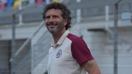 Alessandro Dal Canto, allenatore dell'Arezzo, pronto alla sfida con la Carrarese di Silvio Baldini LAPRESSE