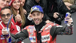 La gioia di Andrea Dovizioso dopo la vittoria. Afp