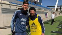 Balerdi con Messi nel ritiro dell'Argentina. Foto da Instagram