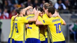 La Svezia festeggia la vittoria sulla Russia. Afp