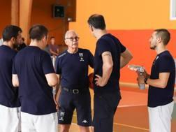 Larry Borwn con i giocatori di Torino