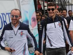 Da sin Robert Kubica e George Russell, coppia Williams del 2019. Lapresse