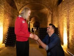Lise e Wout con la dichiarazione di matrimonio. Marco Collemacine – MC FOTOREPORTER