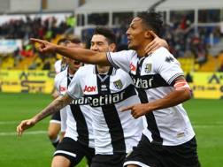 Bruno Alves esulta dopo il gol del 2-0. Lapresse