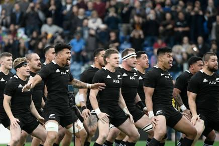 Amanti del rugby che risalgono