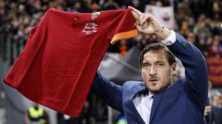 Show all'Olimpico: Totti nella Hall of Fame della Roma