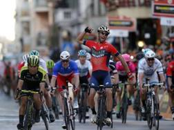 Vincenzo Nibali vince la Sanremo 2018. Bettini