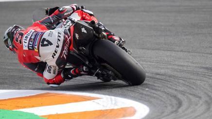 Danilo Petrucci in azione con la Ducati. Getty
