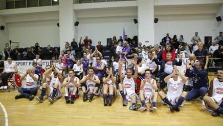 Foto di gruppo dei partecipanti alla gara