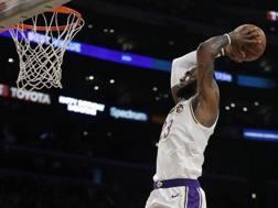 LeBron James, 33 anni, prima stagione ai Lakers. Ap
