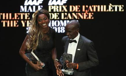 La premiazione di Caterine Ibarguen ed Eliud  Kipchoge, entrambi 34 anni, al Gran Gala di Montecarlo AFP