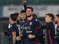 Cerri festeggia il primo gol con i compagni. Getty