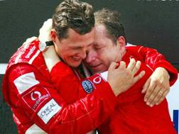 Michael Schumacher, 49 anni, con Jean Todt, 72, oggi presidente della Fia  EPA