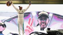 Lewis Hamilton festeggia: l'inglese nel 2018 ha vinto il 5° titolo. Getty