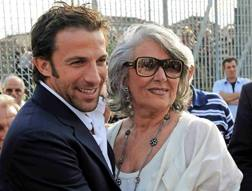 Mariella Scirea con Alex Del Piero.