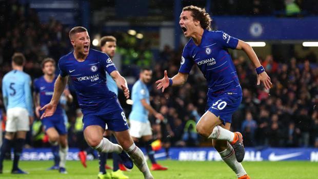 David Luiz festeggia il 2-0 del Chelsea. Getty