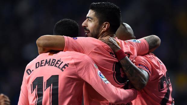 L'esultanza del Barcellona per il gol di Suarez. Getty Images
