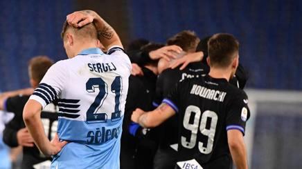 La delusione di Sergej Milinkovic Savic dopo il pareggio della Sampdoria. Lapresse