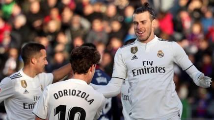 Gareth Bale festeggia il gol decisivo per il successo del Real Madrid. Epa