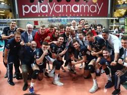 L'esultanza dei giocatori di Milano per la vittoria su Civitanova. Pizzi