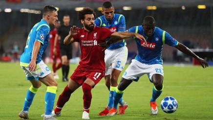 Mohamed Salah circondato da Mario Rui e Kalidou Koulibaly. Getty