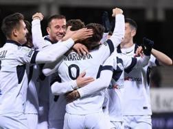 L'esultanza del Brescia per uno dei gol di Donnarumma, bomber della B. LaPresse