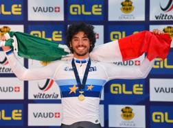 Samuele Manfredi, ligure di 18 anni. Bettini