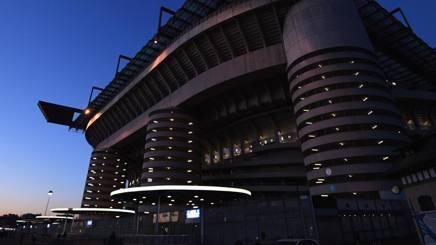 Lo spettacolo dall'esterno di San Siro prima di Inter e Psv. Getty