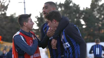 Rizzo e Adorante esultano per uno dei gol realizzati contro il Psv. Getty