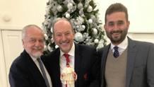 Il patron del Napoli, Aurelio De Laurentiis e l'Ad del Liverpool Peter Moore Twitter