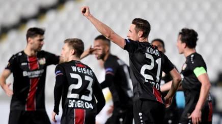 I giocatori del Bayer Leverkusen esultano dopo un gol. Epa