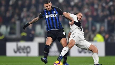 Contrasto tra Chiellini e Icardi nell'ultimo Juve-Inter. Getty