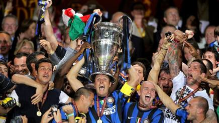 L'Inter solleva la Champions League 2009/2010. Epa