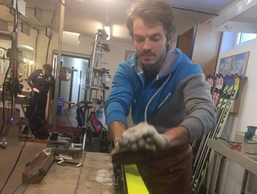 Michael Moelgg, skiman del fratello Manfred