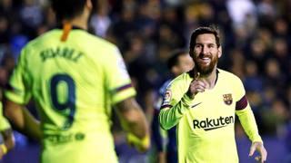 Messi esulta con Suarez. Getty