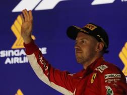 Vettel sul podio di Singapore. LaPresse