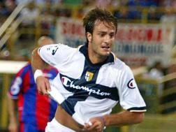 Alberto Gilardino esulta dopo il gol nello spareggio contro il Bologna. Ansa