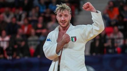Antonio Esposito esulta per il terzo posto nel Grand Prix a The Hague