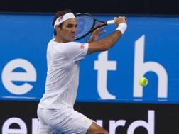 Roger Federer, 37 anni, in azione a Perth. Afp