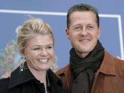 Schumacher con la moglie Corinna. Epa