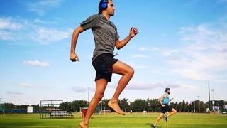 Gianmarco Tamberi, 26 anni, in allenamento sull'erba di Potchefstroom