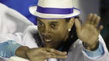 Ronaldinho, 38 anni. Ap