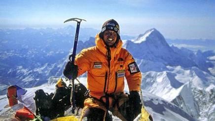 Simone Moro, 51 anni, bergamasco, ha scalato il Nanga Parbat nel 2016