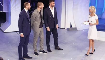 """Da sinistra Giorgio Chiellini, Leonardo Bonucci e Andrea Barzagli a """"C'è posta per te"""" con Maria De Filippi"""