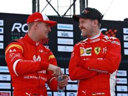 Sebastian Vettel, a destra, con Mick Schumacher in Messico