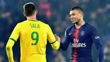 Stretta di mano tra Emiliano Sala e Kylian Mbappé