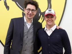 Mattia Binotto con Mick Schumacher.