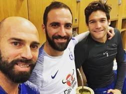 Higuain insieme a Caballero e Alonso. Instagram